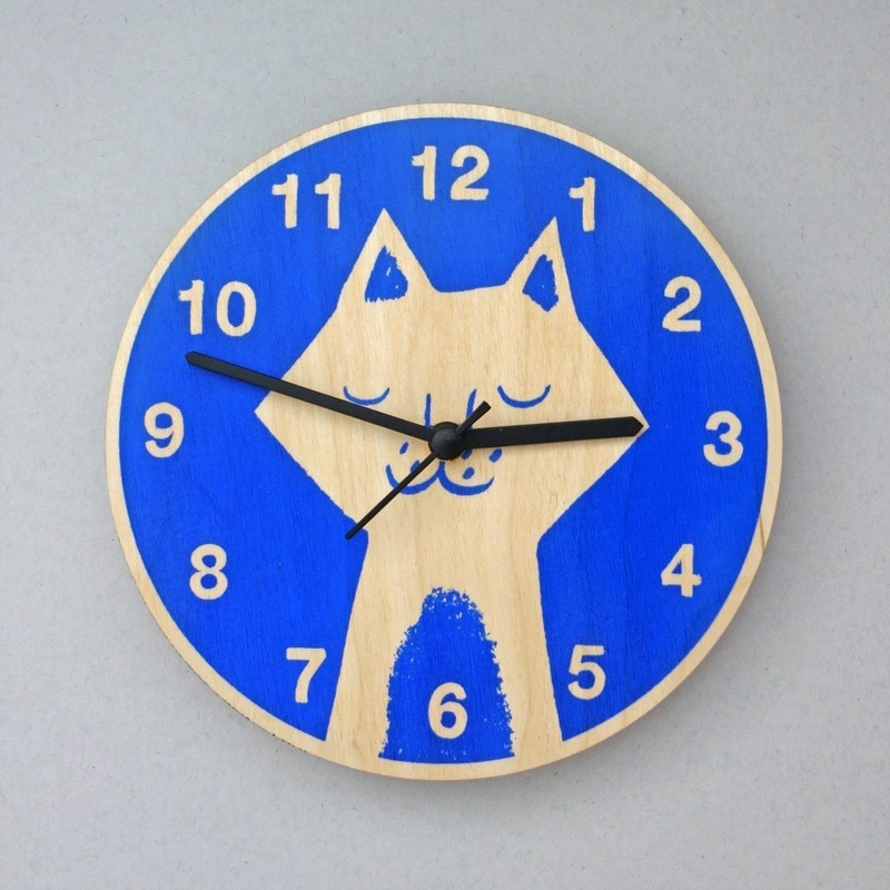 Gifts for a cat lover - blue cat clock