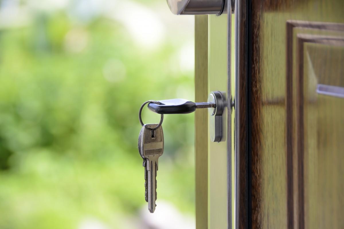 Can I Trust My Dog Walker With My House Key?  Millie's. Levity Shower Door. All O Matic Garage Door Opener. Canoe Garage Storage. Push Bar Door Lock
