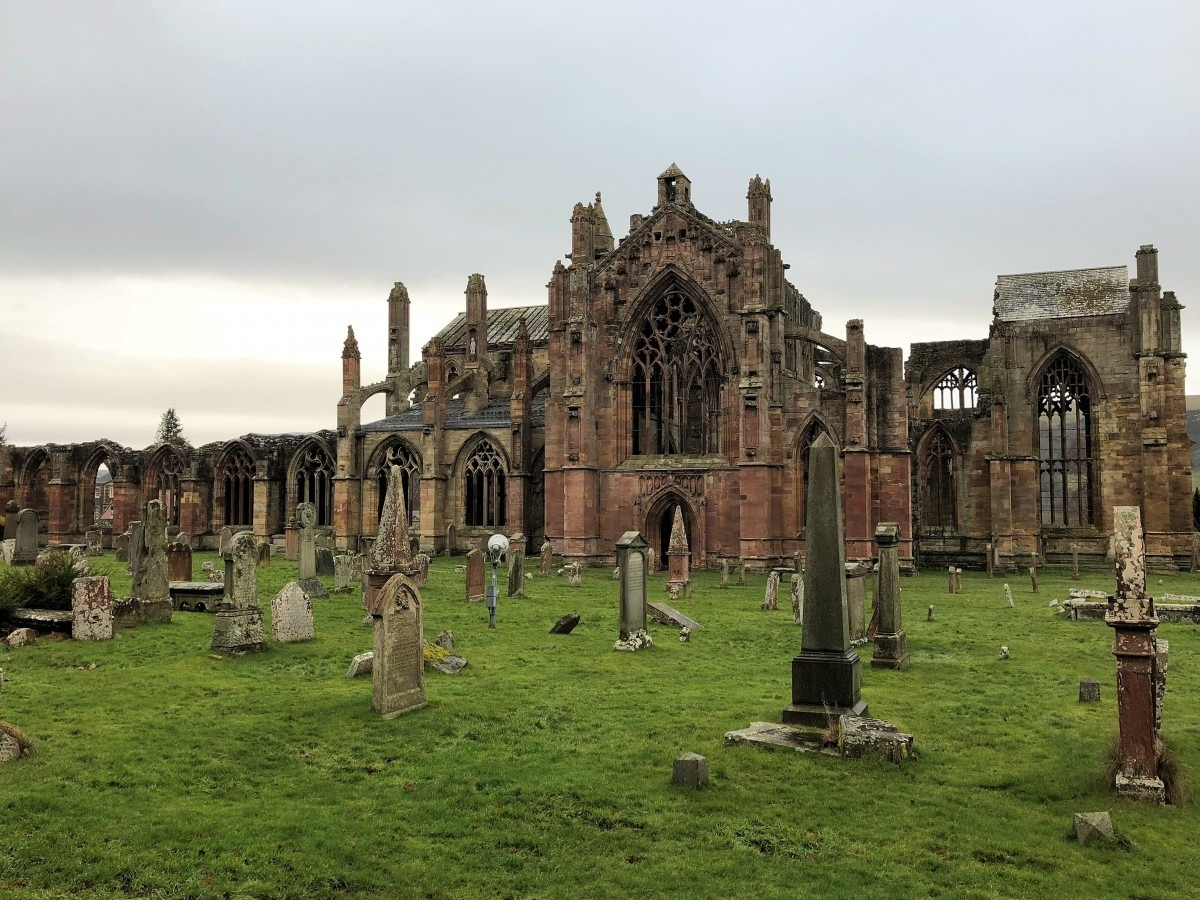 Melrose Abbey Dog Friendly Holiday in the Scottish Borders: Holiday Cottages Melrose (Reviewed)