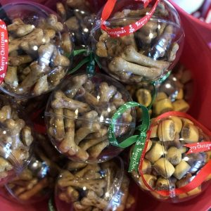 dog_treat_christmas_baubles